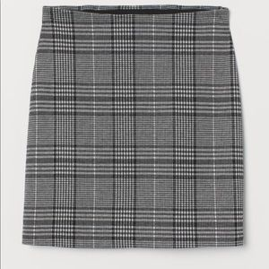 H&M Black and Pink Plaid Skirt